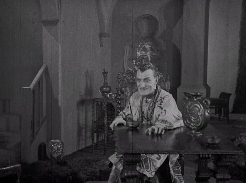 Dr Sin Fang: The Adventure of the Torture Cage (1928)