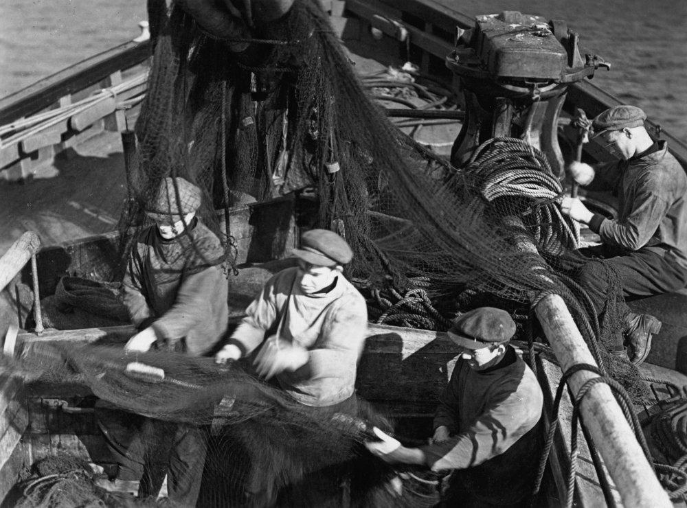 A scene from John Grierson's 1929 documentary Drifters