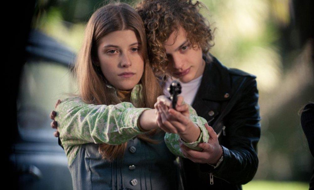 Mercedes Moran as Ana María and Lorenzo Ferro as Carlos in El Angel (L'Ange)