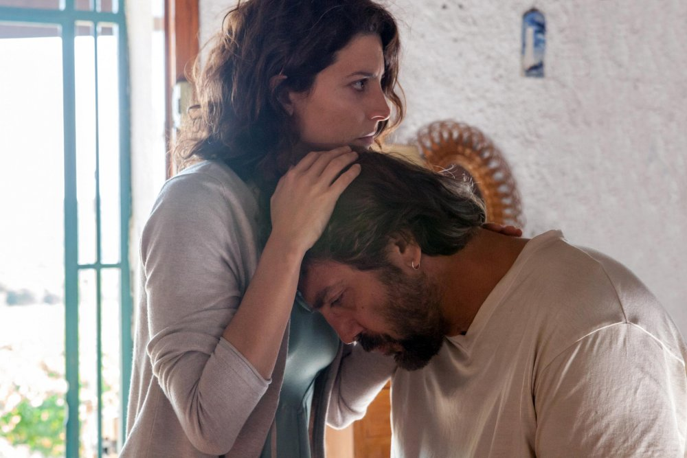 Bárbara Lennie as Bea and Javier Bardem as Paco in Everybody Knows (Todos lo saben)