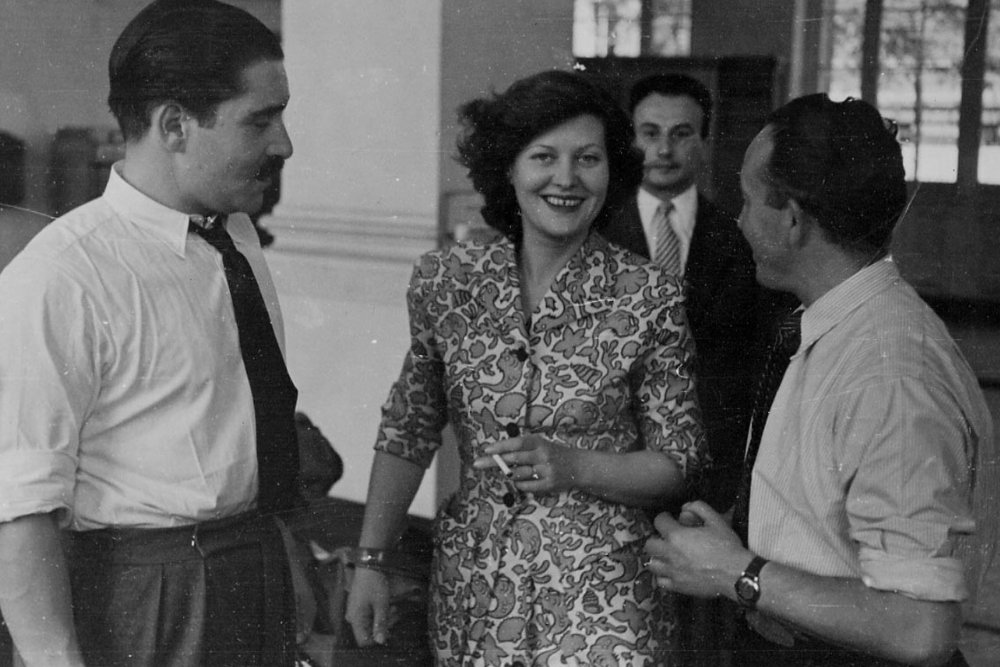 Kay Mander filming La Famille Martin (1948)