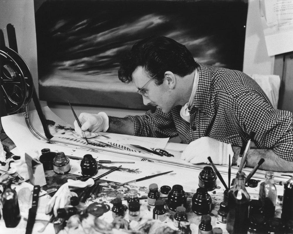 Norman McLaren animating Fiddle-de-dee (1947)
