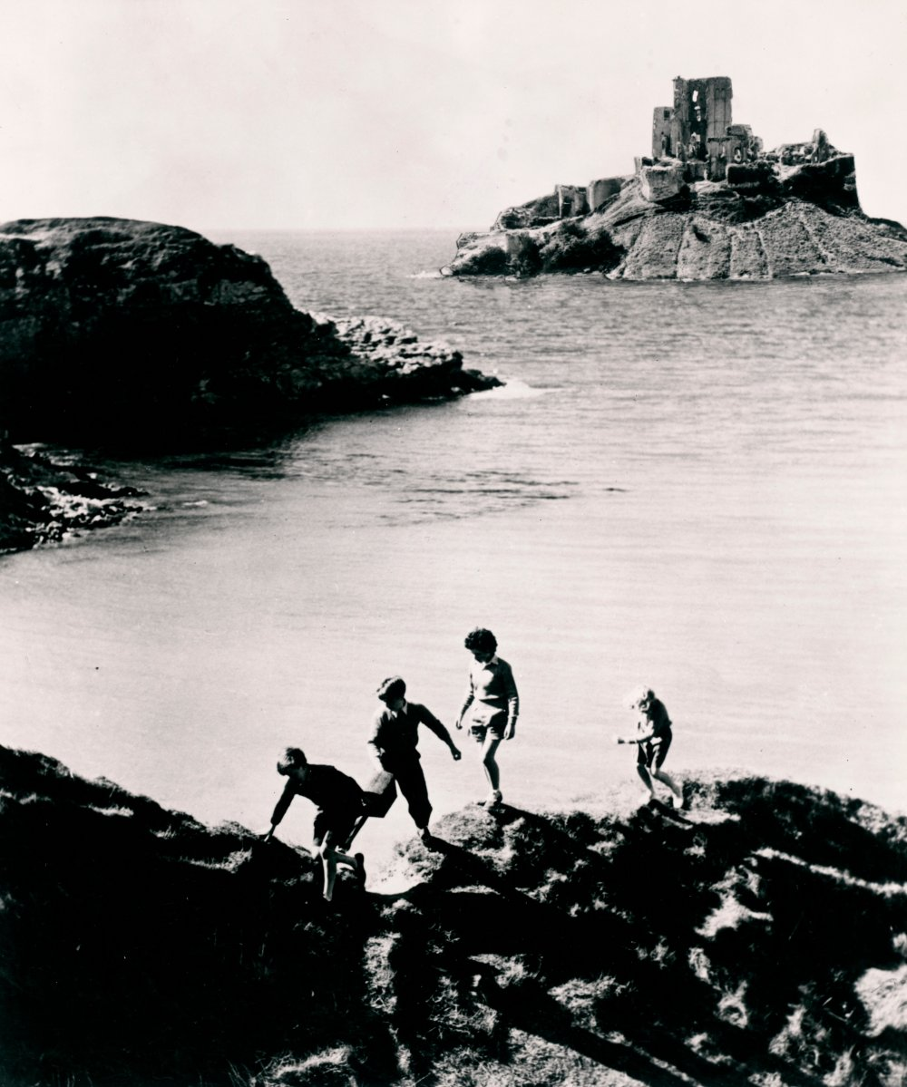 Five on a Treasure Island (1957)