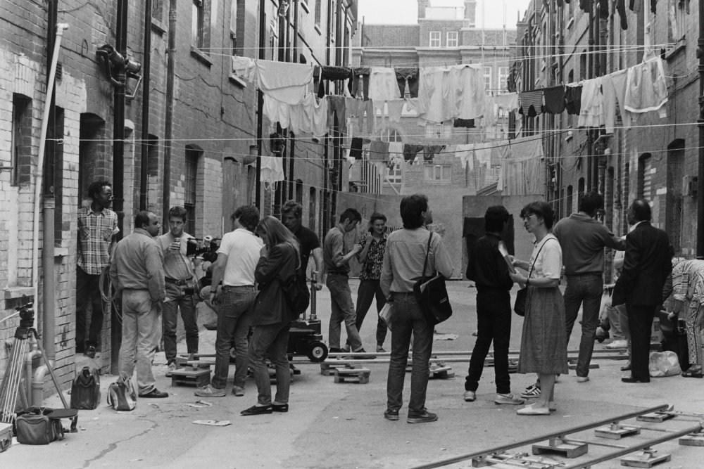 On location filming Ruhul Amin's A Kind of English (1986)