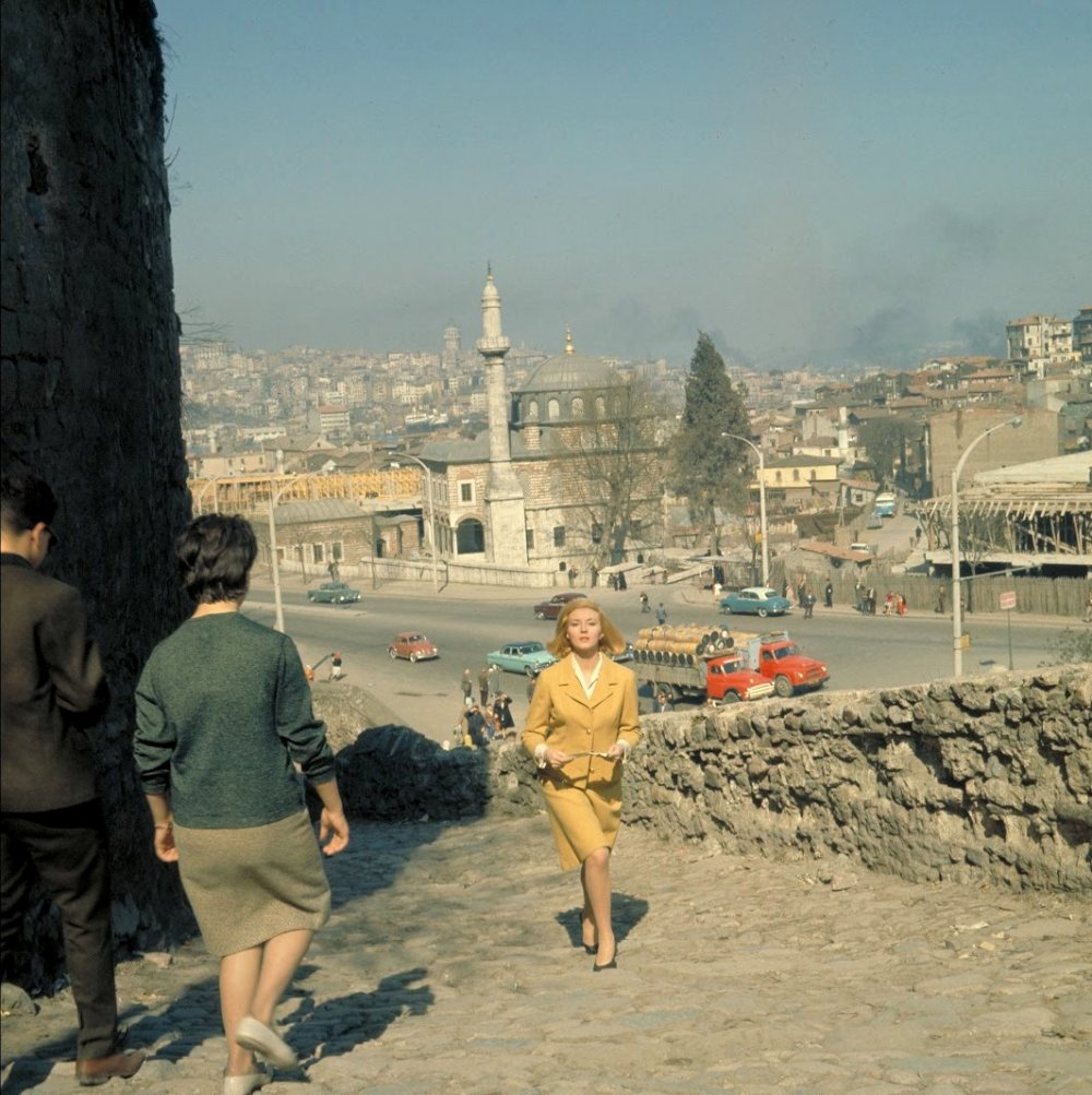 Tatiana Romanova (Daniela Bianchi) traipses Istanbul in From Russia with Love (1963)