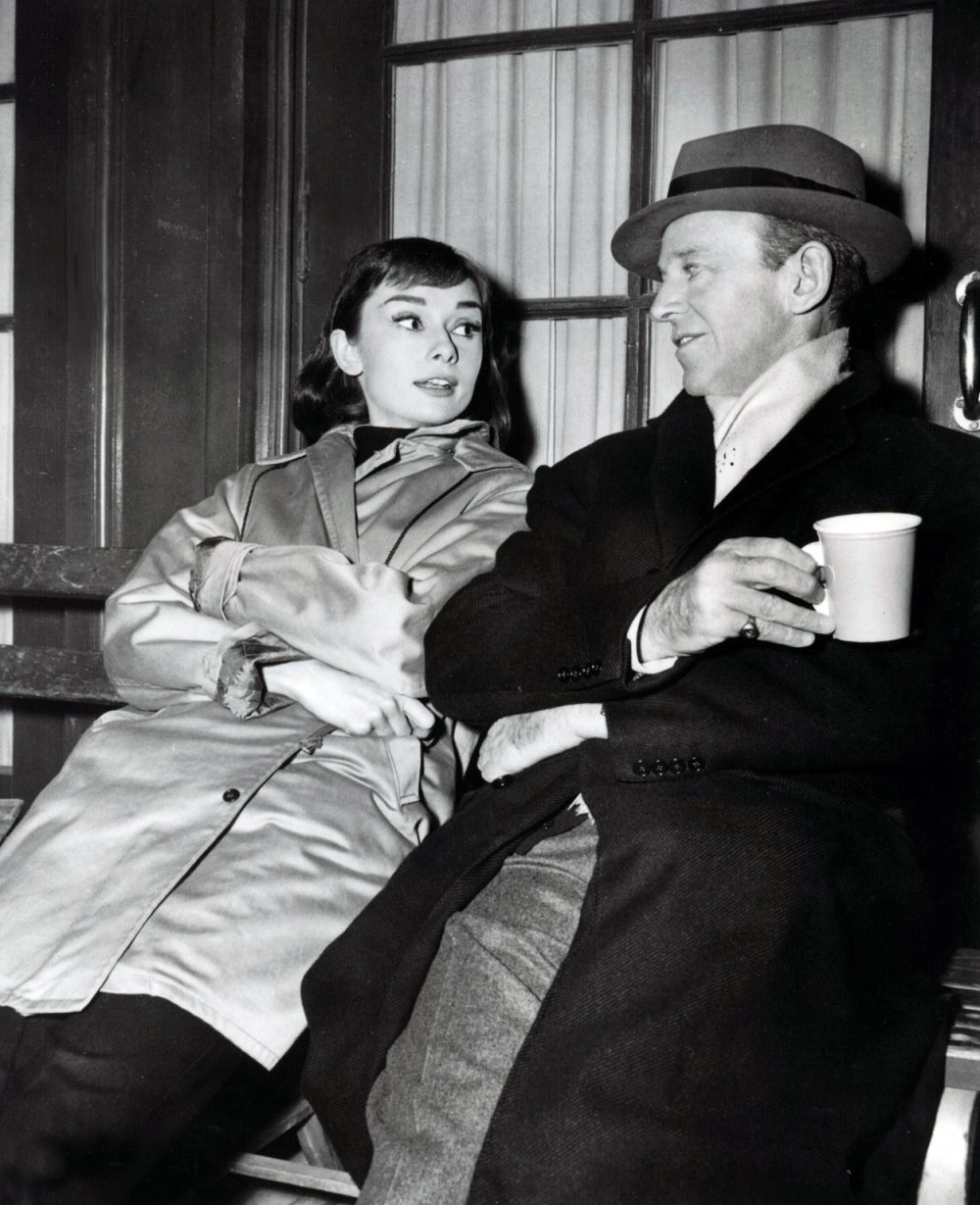 Hepburn and Astaire chat over coffee