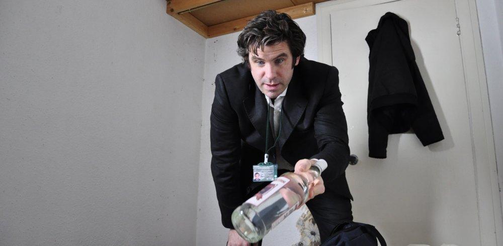 Dan Skinner as Chris's friend/partner Jim