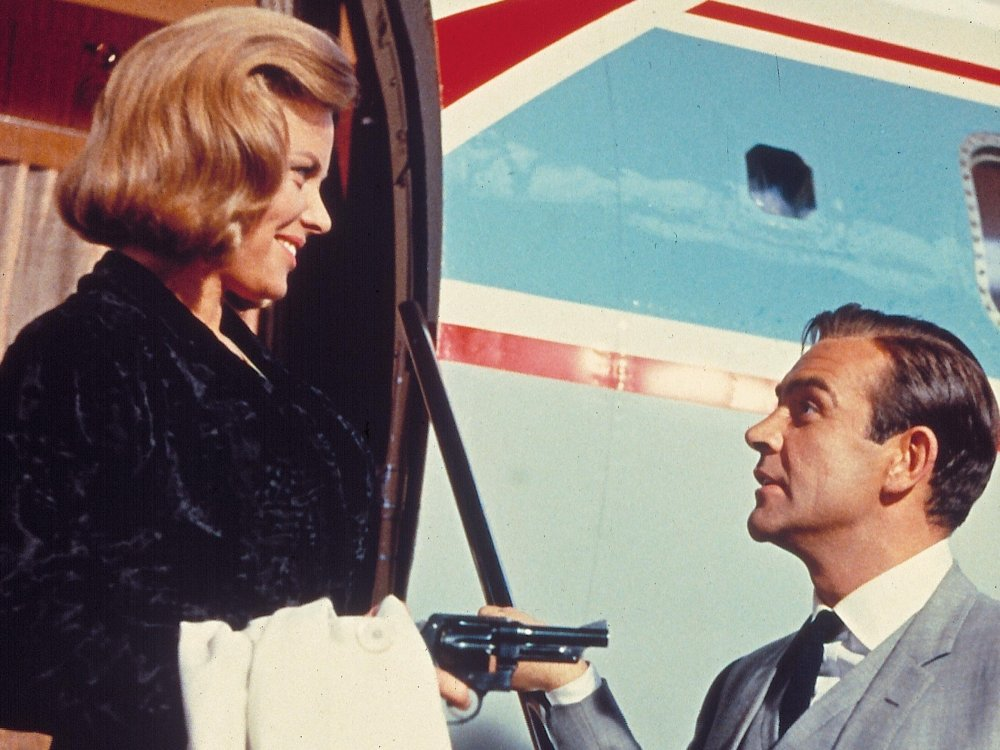 Honor Blackman and Sean Connery in Goldfinger (1964)