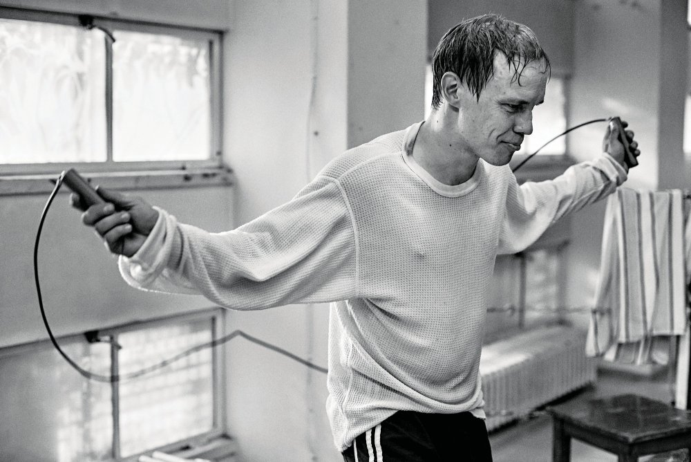 Jarkko Lahti as Finnish boxing champion Olli Mäki in a film that quietly dispenses with standard cinematic mythologies of sporting self-sacrifice and glory