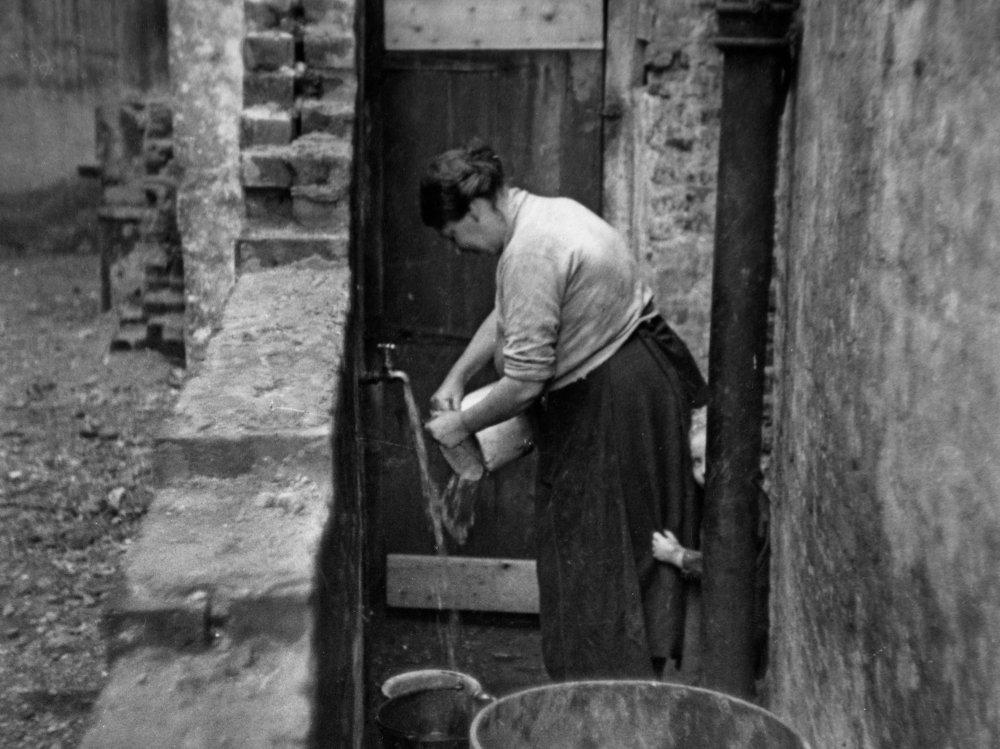 Housing Problems (1935)
