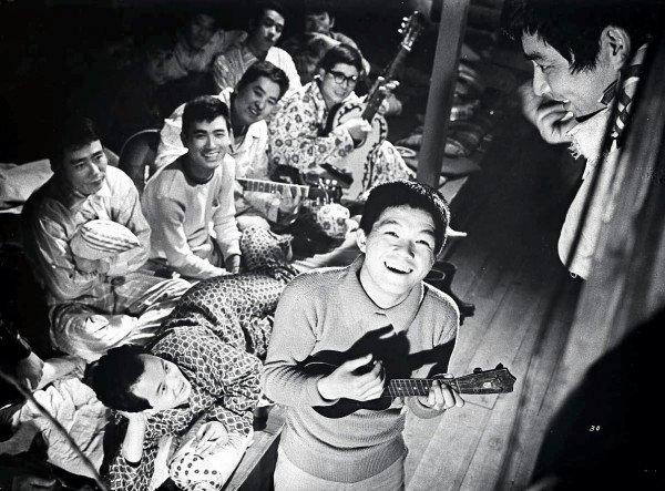 I Look Up When I Walk (Ue o muite arukou, 1962)