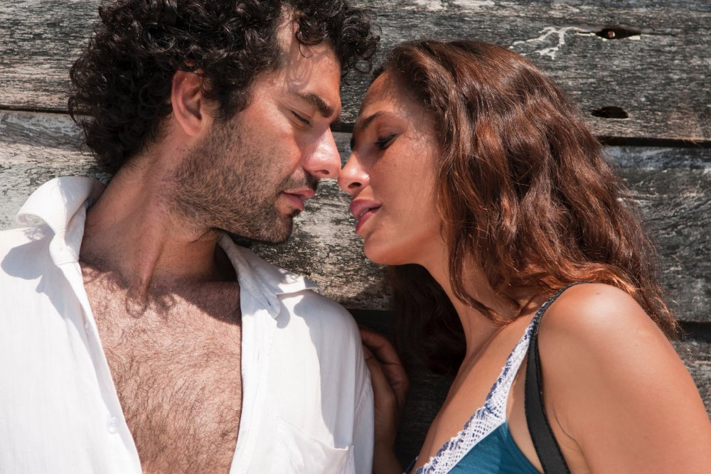 I'd Receive the Worst News From Your Beautiful Lips (Eu receberia as piores noticias dos seus lindos lábios, 2011)