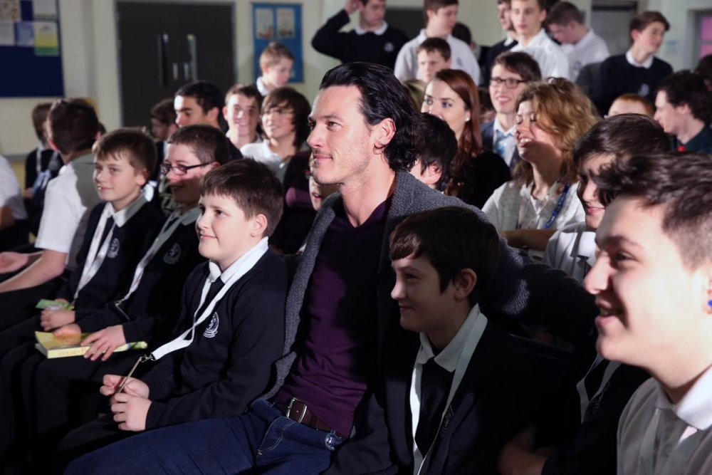 Actor Luke Evans with students