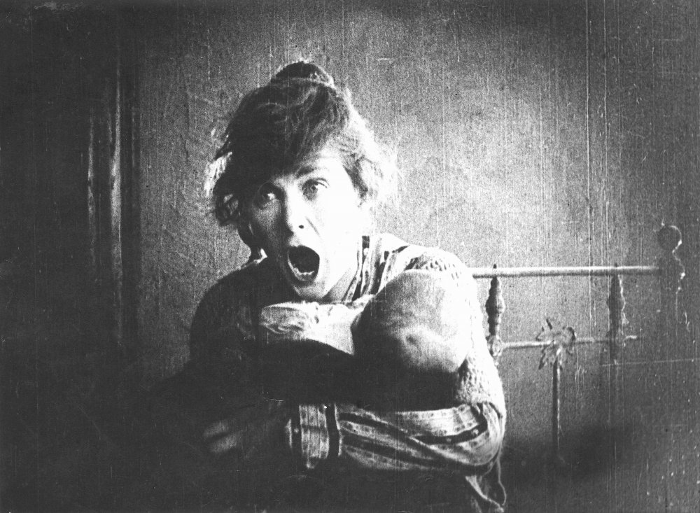 Mae Marsh in Intolerance (D.W. Griffith, 1916)