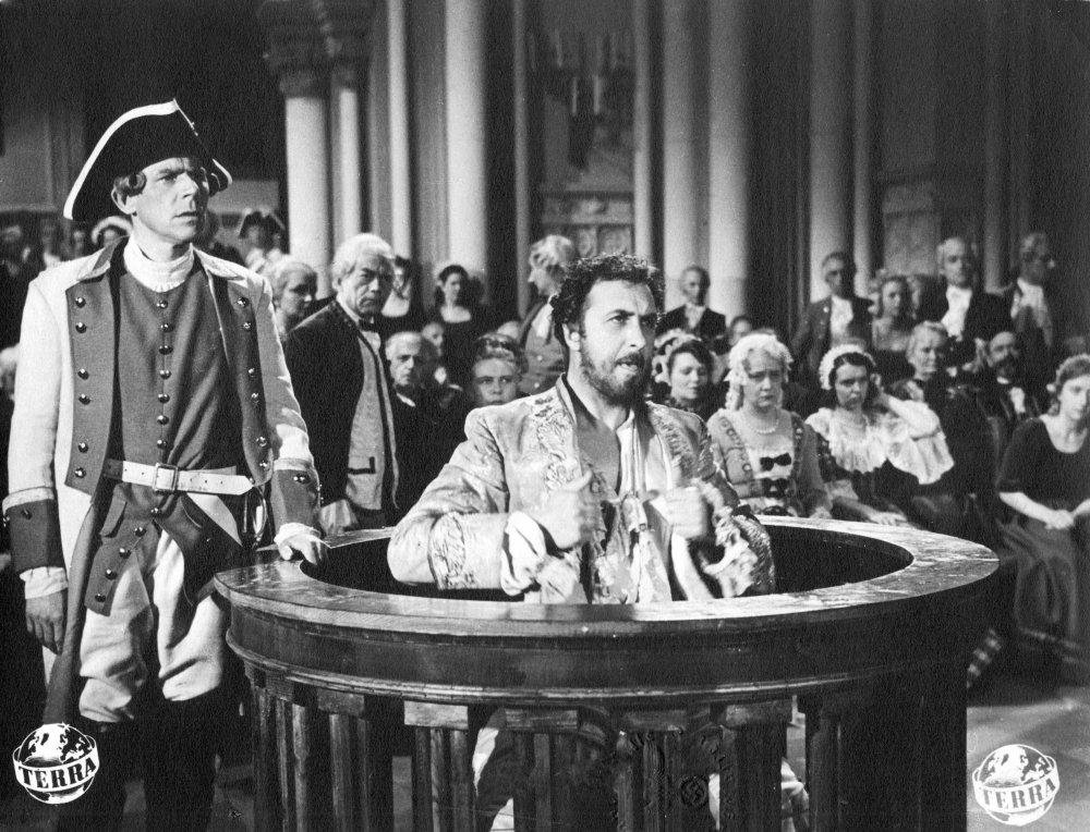 They've got it infamy: Ferdinand Marian as Joseph Süß Oppenheimer on trial in Veit Harlan's