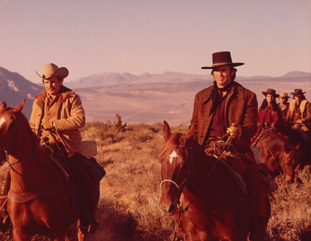 Clint Eastwood and Robert Duvall in Joe Kidd (1972)