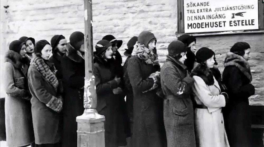 Landskamp (1932). Ingrid Bergman is second from left