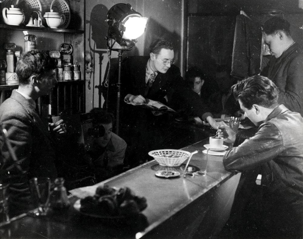 Walter Lassally (left) shooting Saturday Night (unfinished) in 1949 with Derek York, Bryan Forbes and John Fletcher