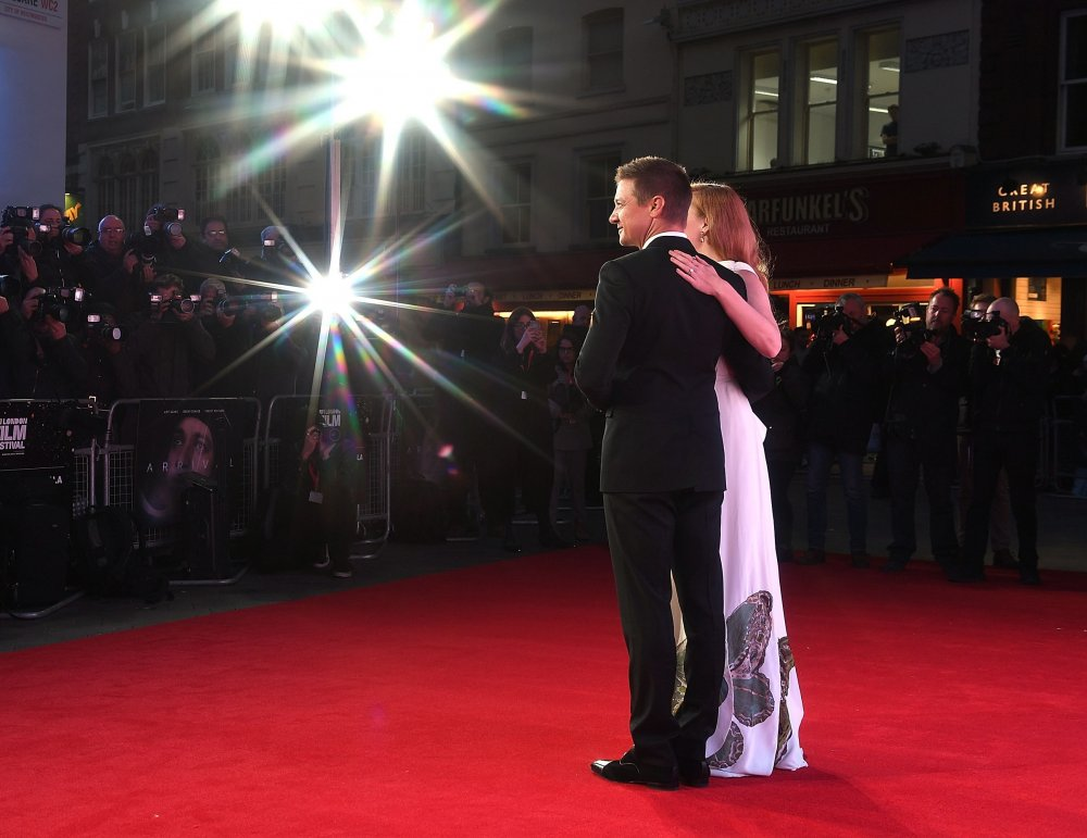 Jeremy Renner and Amy Adams at the premiere of Arrival at the 60th BFI London Film Festival