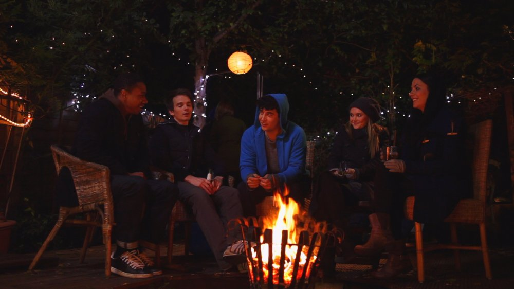 L to R: Tom (Nathaniel Martello-White), David (Will de Meo), Pete (Jack Gordon), Jay (Jayne Wisener) and Claire (Fiona Ryan)