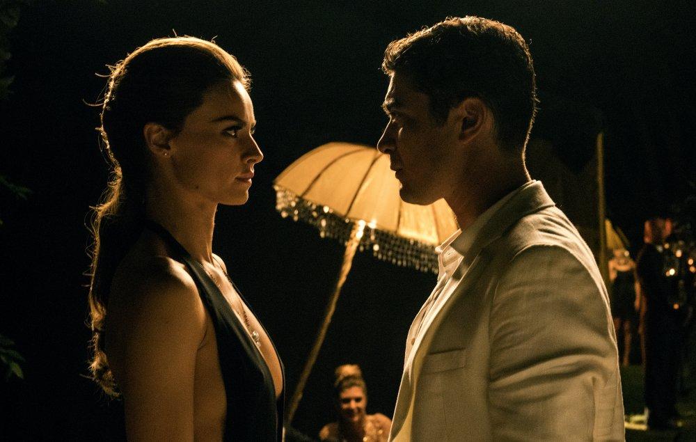 Kasia Smutniak as Kira and Riccardo Scamarcio as Sergio Morra