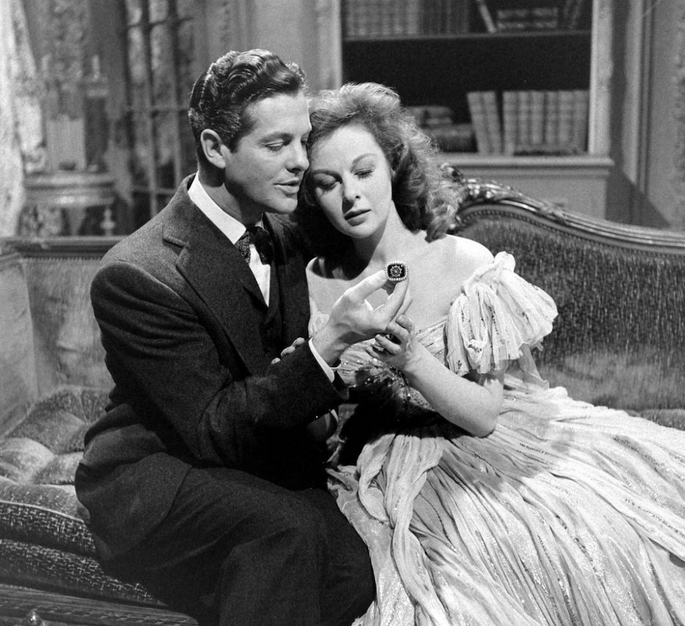 Robert Cummings and Susan Hayward in Martin Gabel's The Lost Moment (1947)