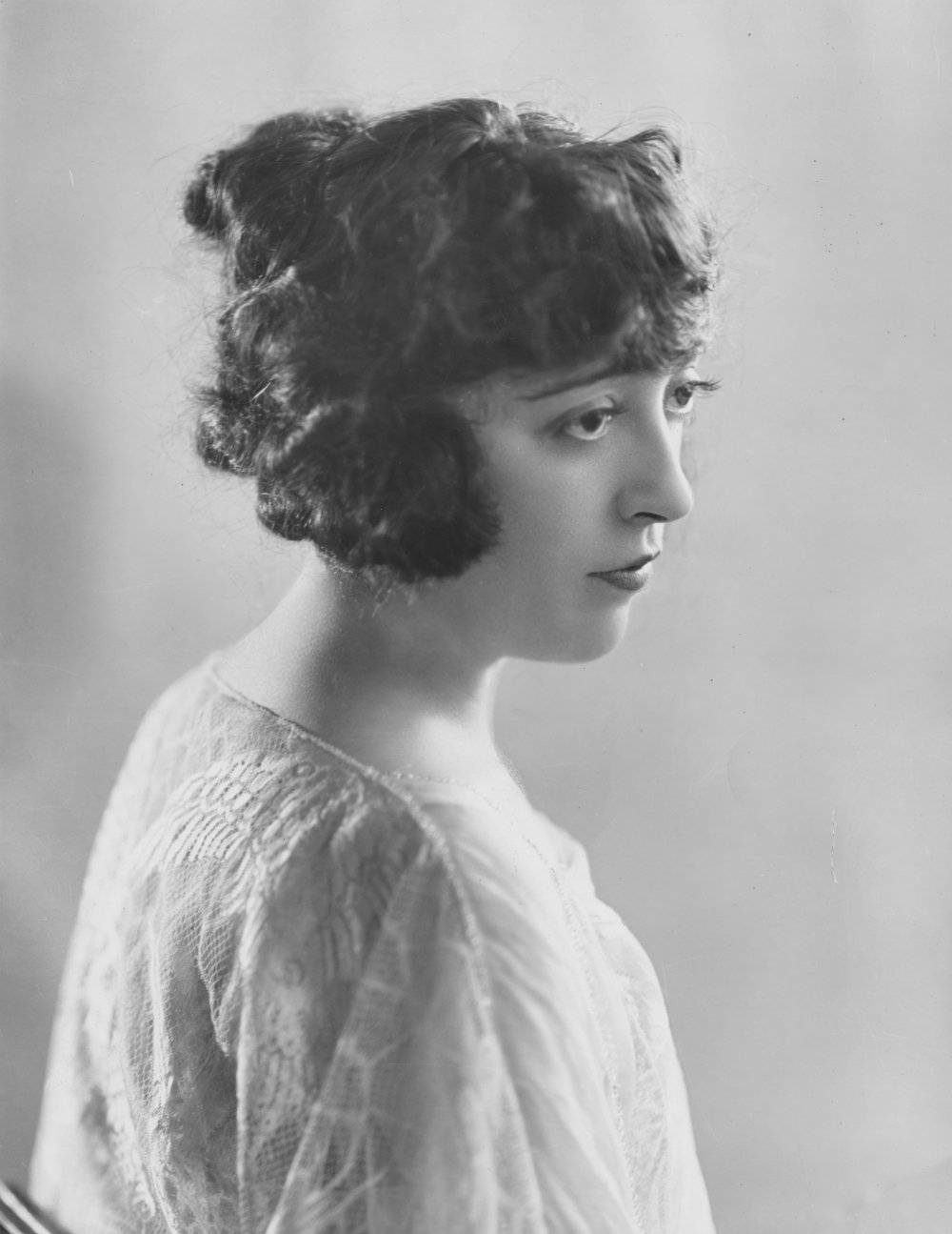 Mabel Normand, American-born film actress, screenwriter, director and producer.