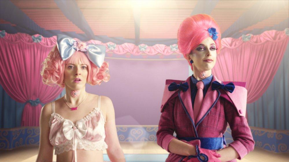 Christina Gordon as Siri and Rachel Maclean as Figurehead in Make Me Up