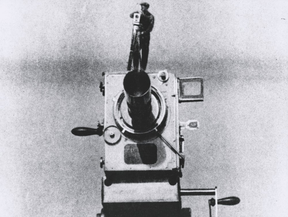 Le camera stylo? Dziga Vertov's Man with a Movie Camera (1929)