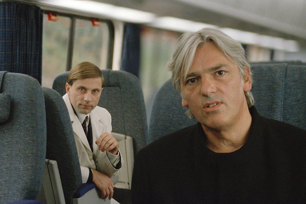 Simon McBurney as Doctor Atticus Noyle and Robyn Hitchcock as Laurent Tokar