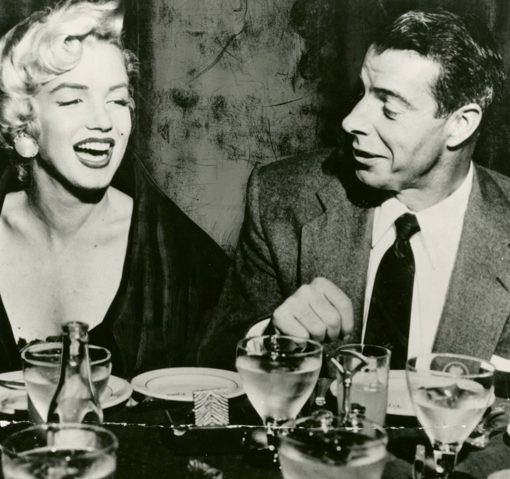 Publicity still of Marilyn Monroe and husband Joe DiMaggio at the El Morocco restaurant, 1954