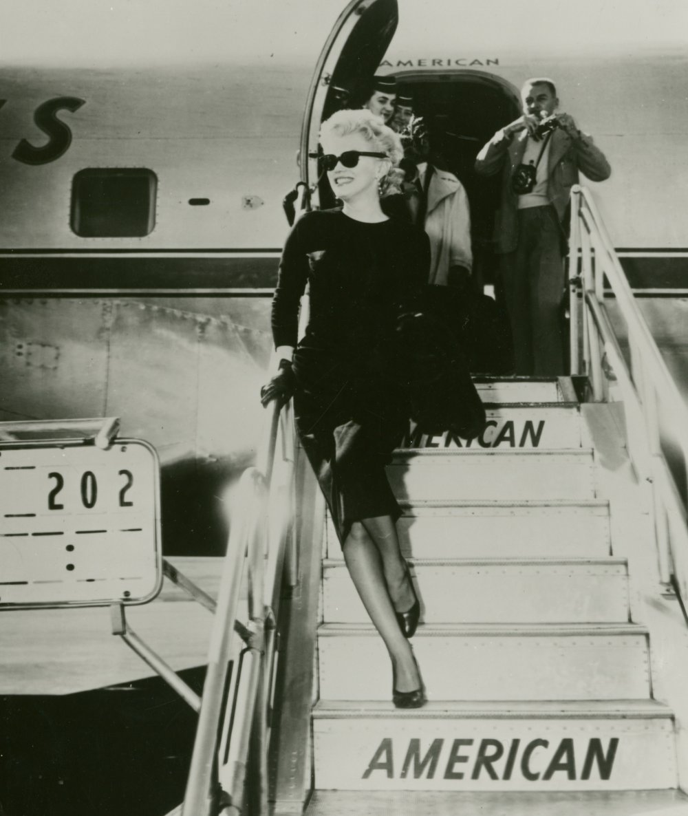 Publicity still of Marilyn Monroe arriving at the airport