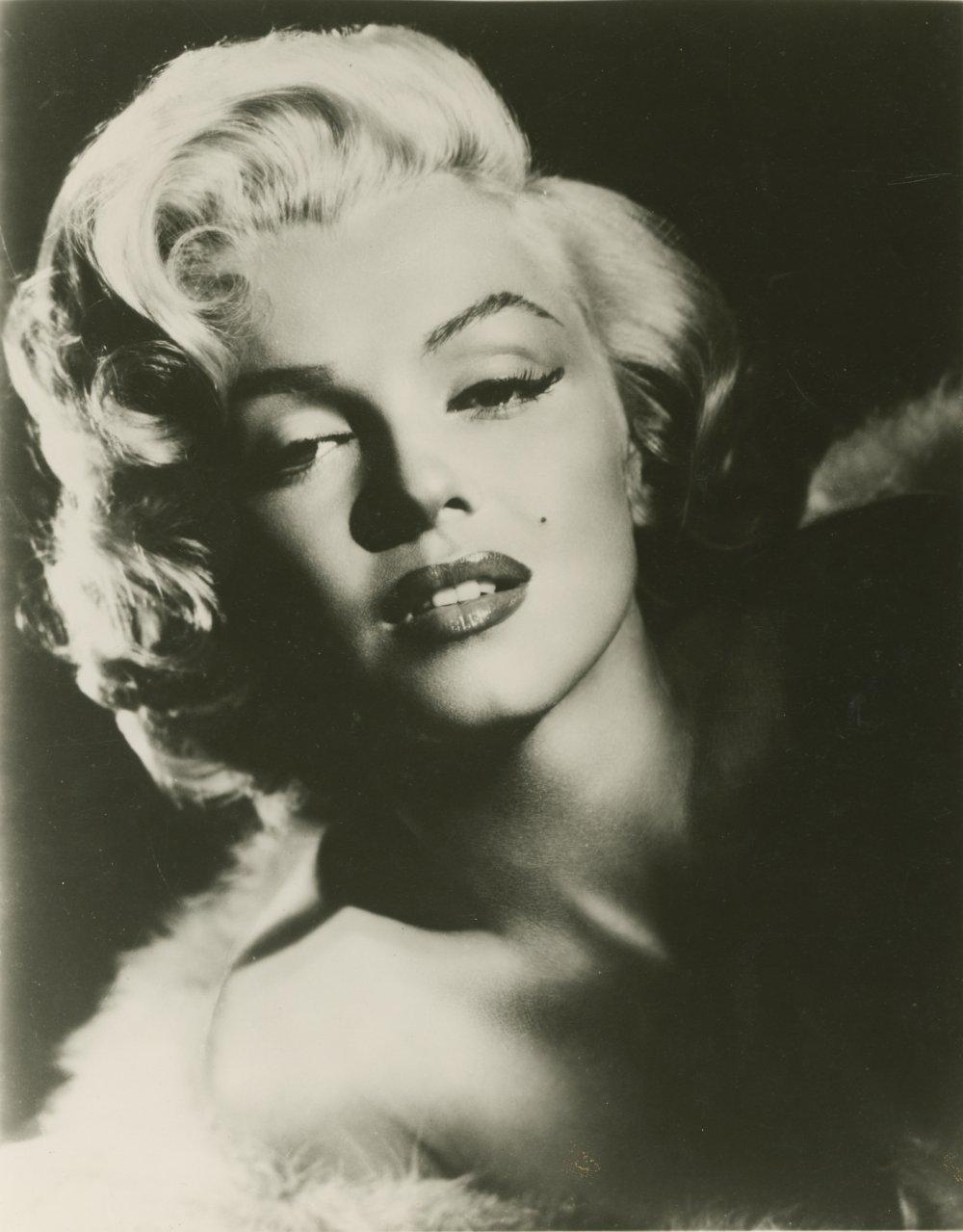 Glamour photo by Milton H. Greene