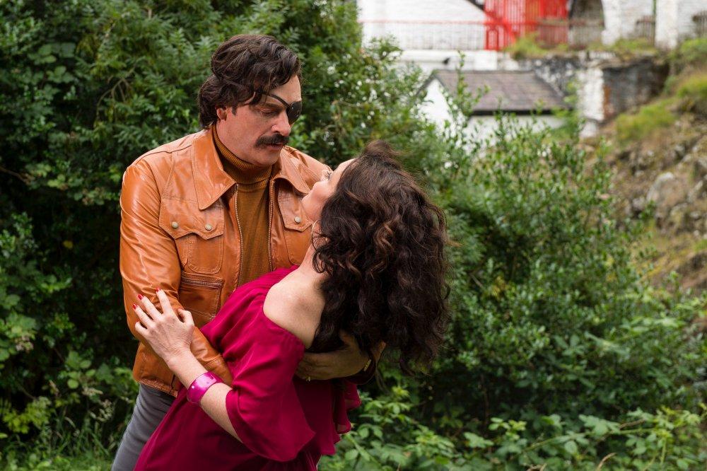Julian Barratt with co-star Essie Davis