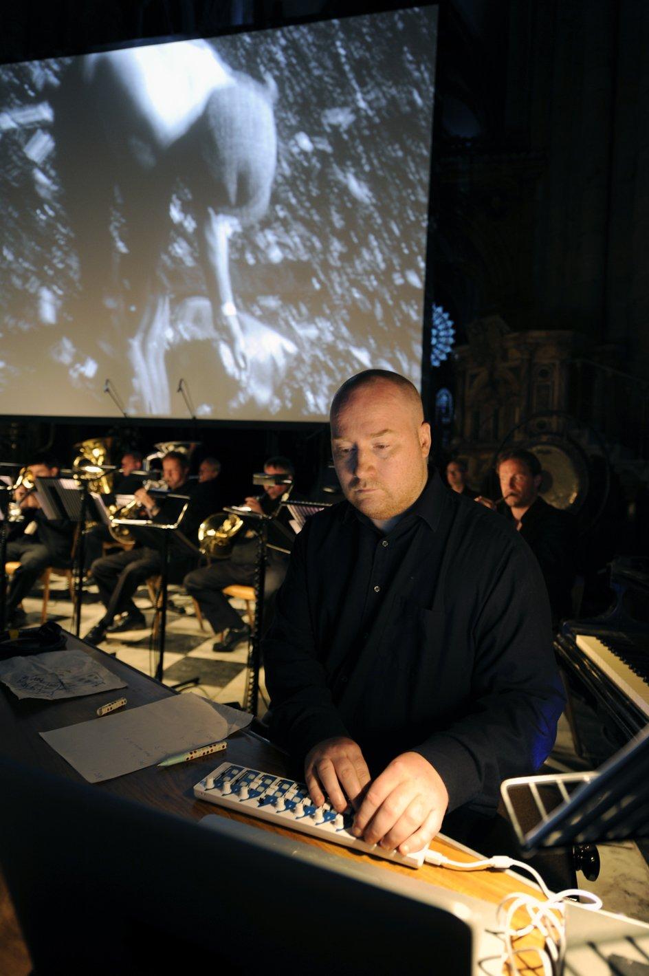 Jóhann Jóhannsson rehearsing The Miners' Hymns (2010)