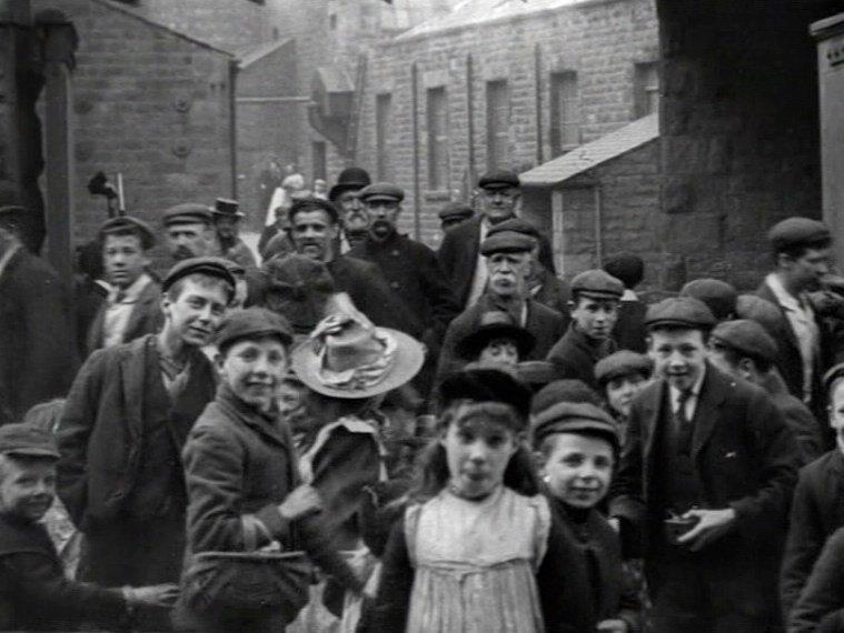 Mitchell & Kenyon's Employees Leaving Storey's Moor Lane Mill, Lancaster (1902)