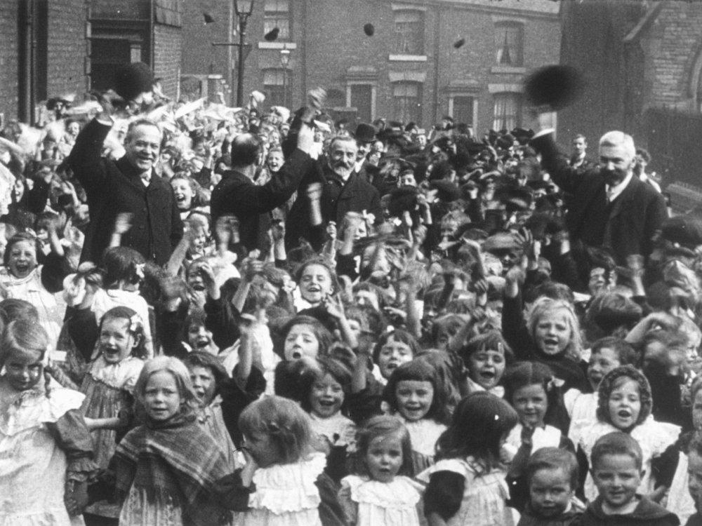 Mitchell and Kenyon: St Barnabus School, Blackburn (1905)