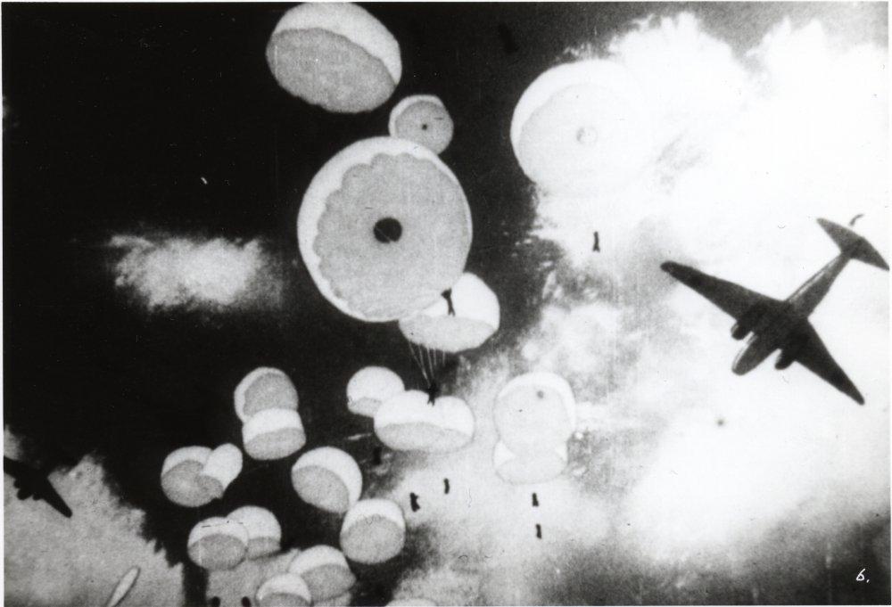 Momotaro: Sacred Sailors (1945)