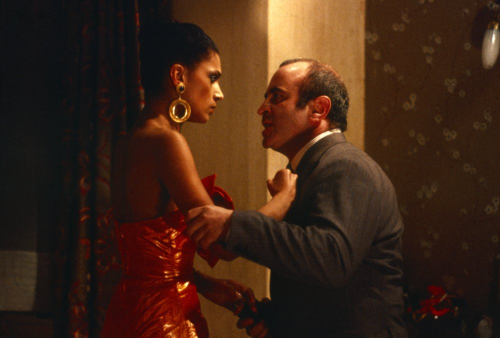 Cathy Tyson and Bob Hoskins in Mona Lisa (1986)