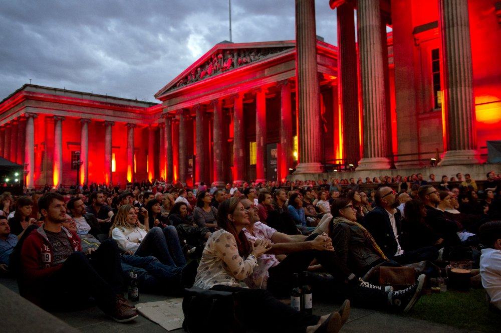 The crowd gets ready for Dracula as night falls over the British Museum