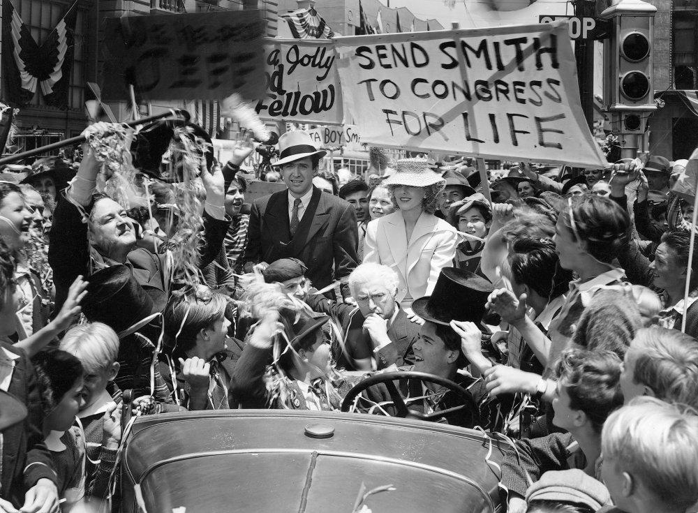 Essay on Frank Capra's Mr. Smith Goes to Washington