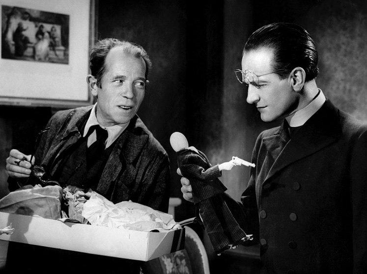 The Murderer Lives at Number 21 (1942)