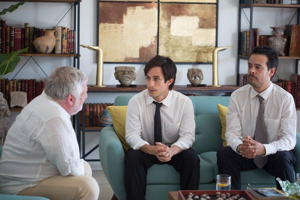 Gael García Bernal as Juan Nuñez and Leonardo Ortizgris as Benjamin Wilson