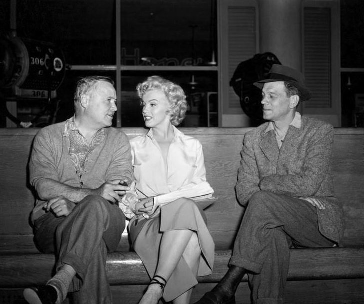 Henry Hathaway with Monroe and Joseph Cotten during the filming of Niagara (1953)