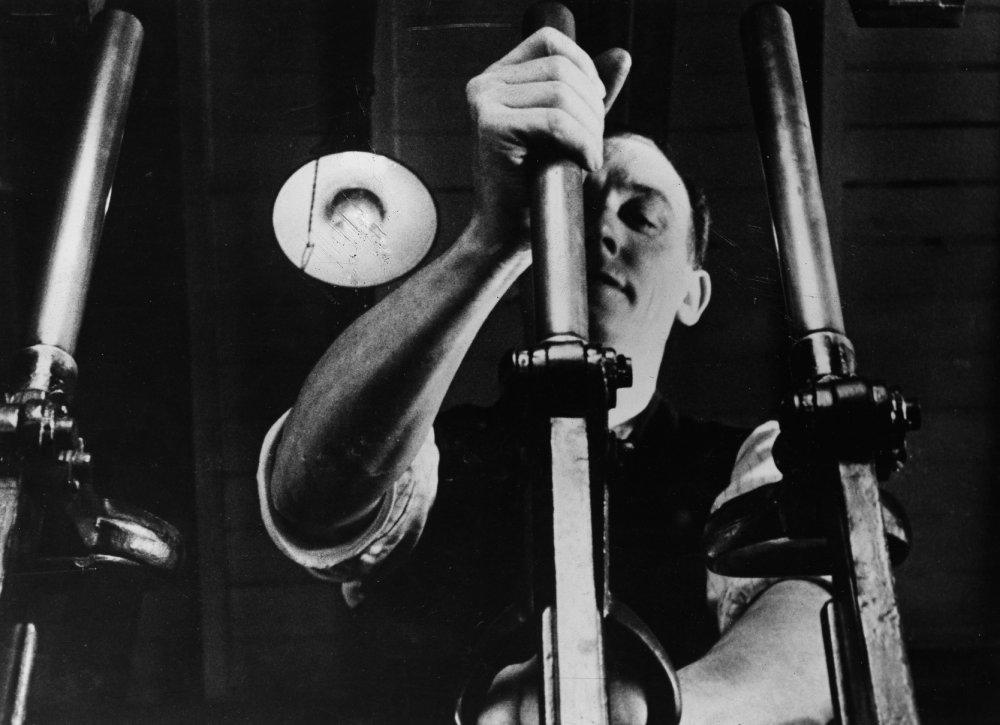 Night Mail (1936)