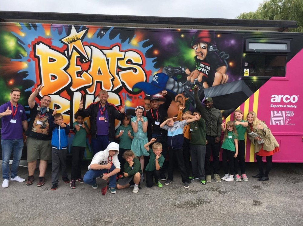 Steve Arnott (centre) and his Beats Bus in A Northern Soul (2018)