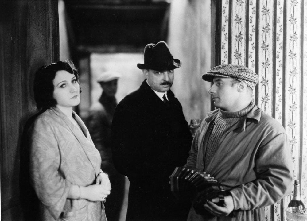 La Nuit du carrefour (The Night at the Crossroads, 1932)