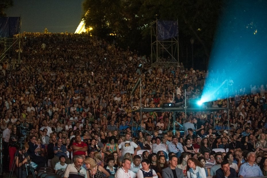 25,000 spectators watch Blackmail at the 2014 Odessa International Film Festival