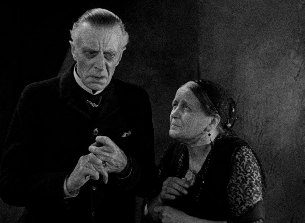 Femm fatale… Ernest Thesiger as Horace Femm and Eva Moore as Rebecca Femm