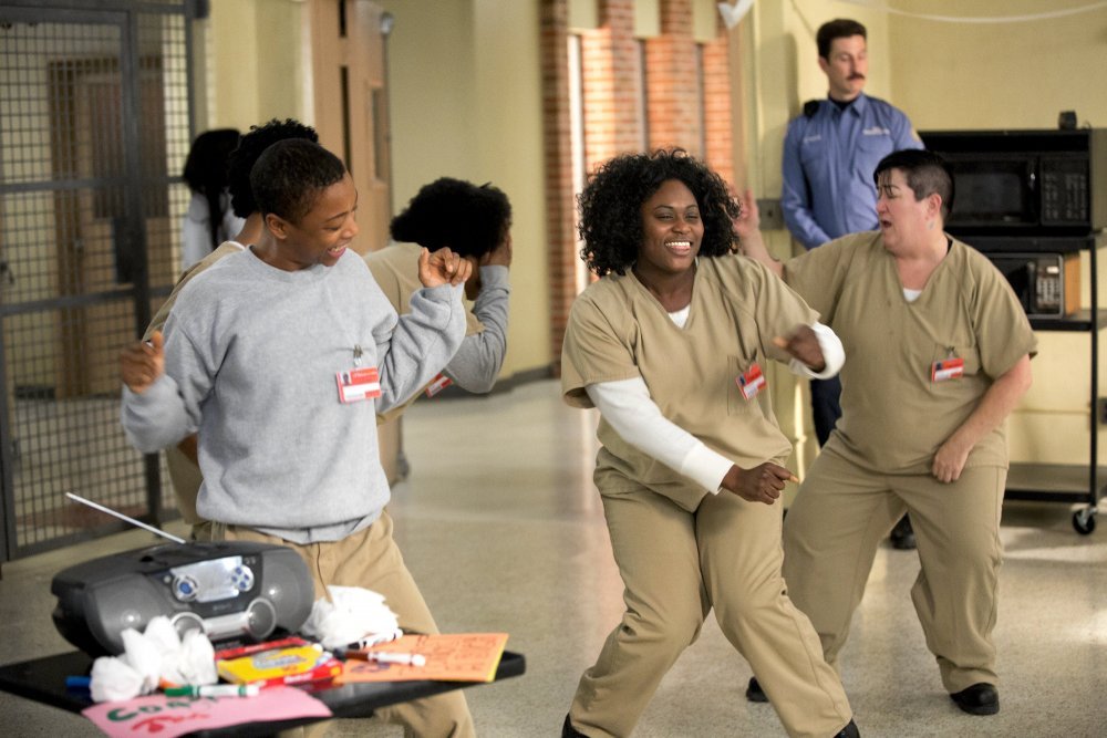 Poussey and Taystee dancing